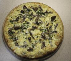 Пицца с языком и грибами